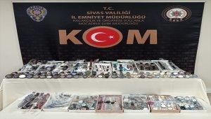 Sivas Asayiş Haberi: Sivas'ta gümrük kaçağı 485 adet kol saati ele geçirildi