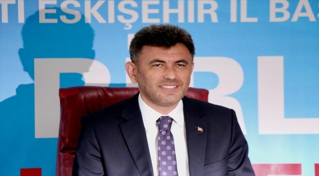 AK Parti İl Başkanı Zihni Çalışkan, Eskişehir Büyükşehir Belediyesi yönetimini eleştirdi