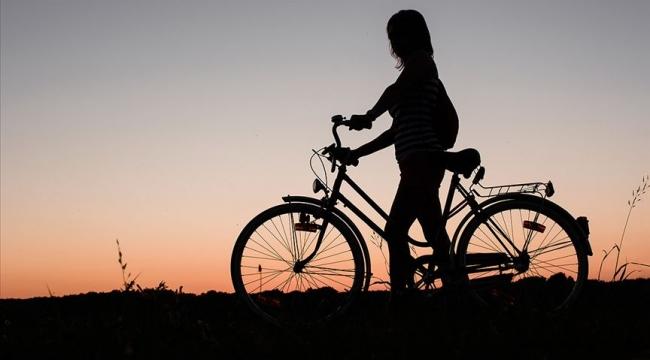 Eskişehir'de çaldıkları bisikletleri internette satışa çıkaran 10 şüpheli yakalandı