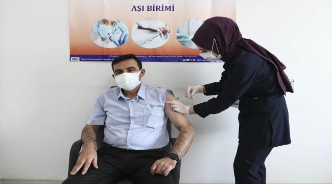 Başkentte muhtarlara Kovid-19 aşısı yapılmaya başlandı