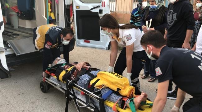 Eskişehir'de evinde geçirdiği kaza sonucu kalça kemiği kırılan yaşlı kadının imdadına polis ekipleri yetişti