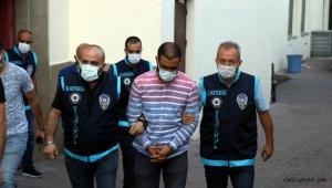 """Kayseri'de kuyumcu baba ve oğul, """"dolandırıcılık"""" iddiası ile tutuklandı"""