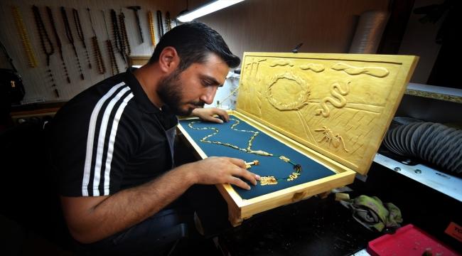 Konyalı ustanın Hz. İbrahim'in kıssasını nakşettiği tespih, otomobil parasına satıldı