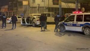 """Kayseri'de """"dur"""" ihtarına uymayan otomobilde el bombası çıktı"""